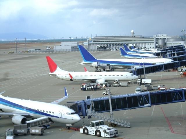 ブログ記事トップ画像_空港