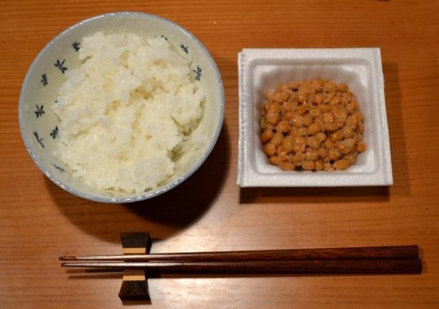 ブログ関連記事_トップ_画像_ご飯と納豆