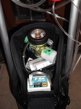 携帯酸素ボンベ
