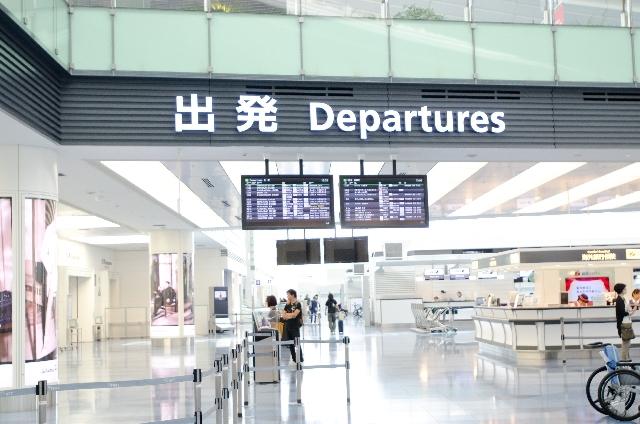 ブログ記事トップ画像_空港出発ロビー