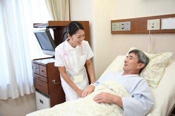 ブログ記事画像_病院のベッドと看護婦さん