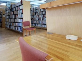 図書館001.jpg